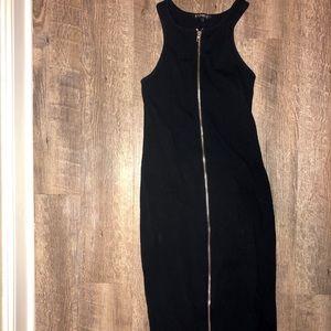 Black front zipper express dress